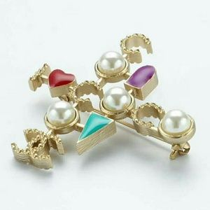 Love chanel brooch